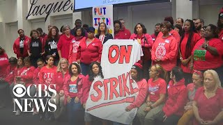 Thousands of Chicago teachers vote to strike