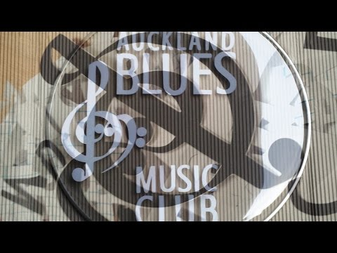 How to put a logo on a bass drum skin