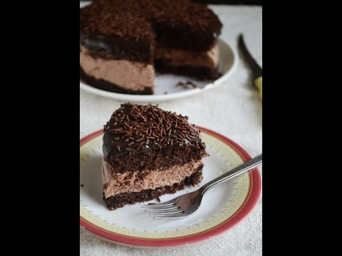 How To Make Eggless Chocolate Mousse Sandwich Cake - Video Recipe