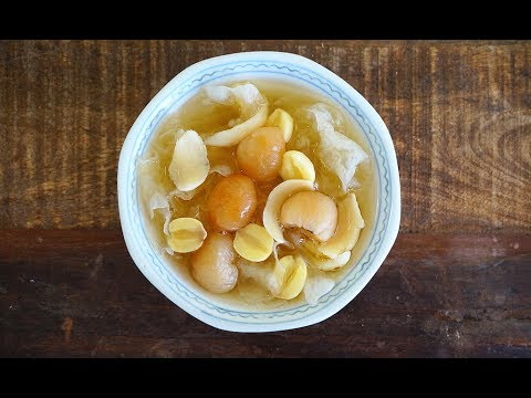 Sweet Lotus Seeds And Snow/White Fungus Soup