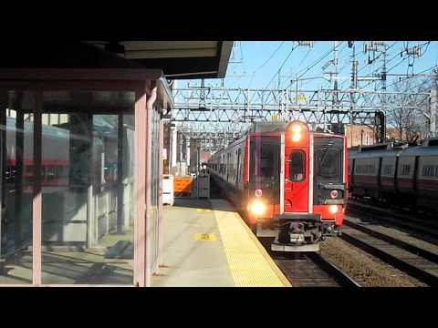 Metro North Train #6527 arriving in South Norwalk with the M8s