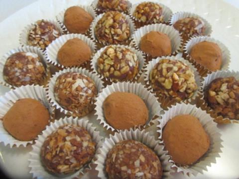 CHOCOLATE TRUFFLES - How to make CHOCOLATE TRUFFLES Recipe