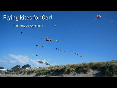 Flying kites for Carl - and a new kite flies