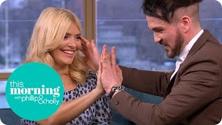 Colin Cloud Freaks Out Holly Willoughby After Mind Reading An Embarrassing Memory | This Morning