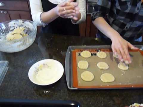 How to Make Almond Cookies