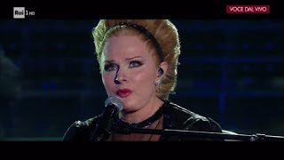 """Silvia Mezzanotte è Adele: """"Rolling in the deep"""" - Tale e Quale Show 17/11/2017"""