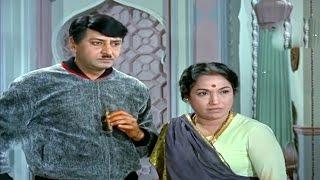 Lalita Pawar Asking For Batwara @ Khandaan - Sunil Dutt, Nutan, Pran, Mumtaz