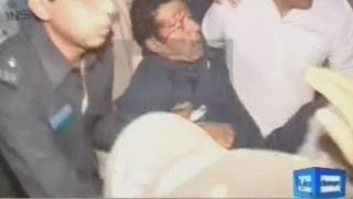 Imran Khan falls off 15ft stage during election rally in Pakistan