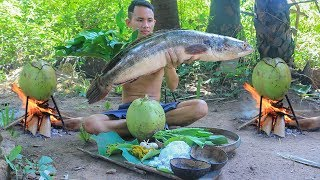 Primitive Technology: Cooking Fish in Coconut (Amok Khmer) For Lunch | Primitive Cooking ASMR