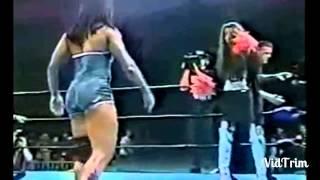 #x202b;شاهد للكبار فقط  18   فضيحة المصارعة النسائية   مواقف مضحكة و محرجة!!#x202c;lrm;