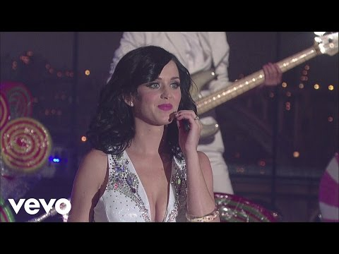 Katy Perry - Firework (Live on Letterman)