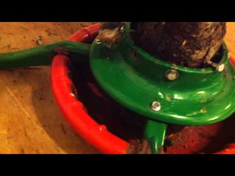 How to make a strong christmas tree stand