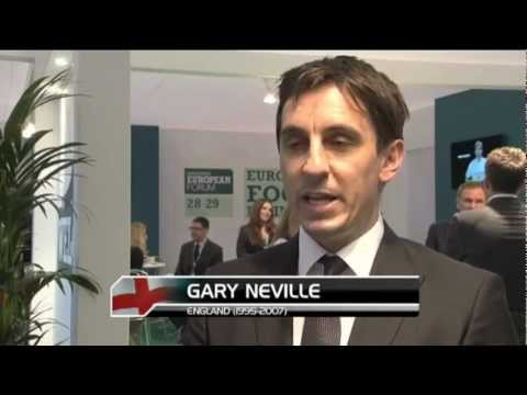 Exclusive - FA must act quickly over England job - Venables and Neville