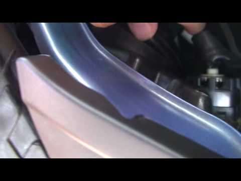 How to change your Prius HID bulb in 10 minutes (part 1)