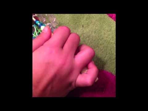 Rainbow Loom Tutorial - How to Make a Bowtie Stitch