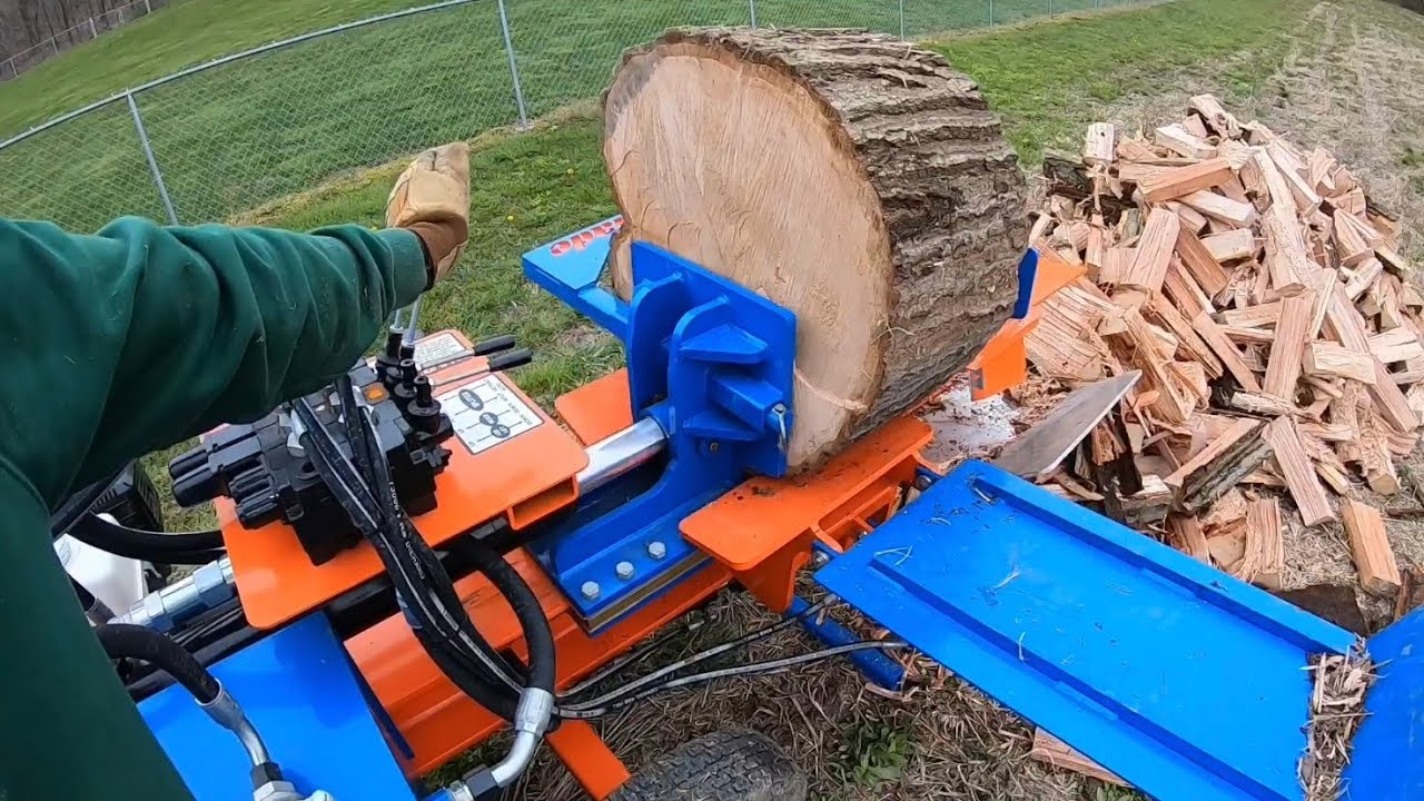 "Box Wedge Splitting 22"" Red Oak Rounds"