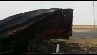 """#x202b;#فيديو متداول لاحتراق تريله بشكل كامل إلا جزءاً واحد منها مكتوب عليه"""" اللهم صلي على النبي""""#x202c;lrm;"""