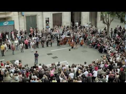 Som Sabadell flashmob - BANCO SABADELL