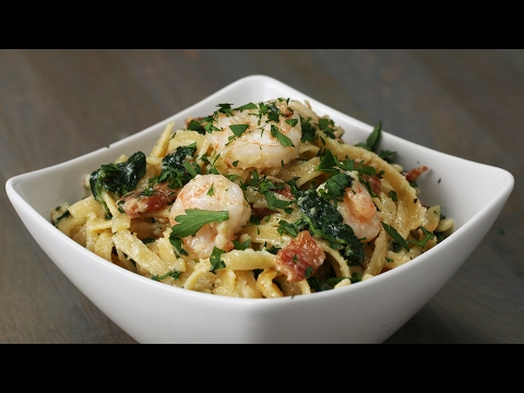 One-Pot Shrimp And Spinach Fettuccine Alfredo