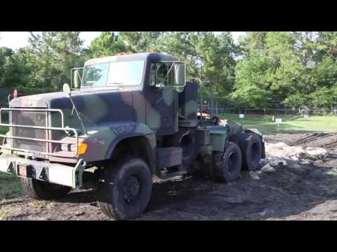 Freightliner tackles the 4x4 Happy Trails Jeep obstacle course at J-Tech