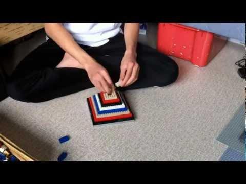 Building a multicolor pyramid in lego