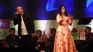 Meri Kismat Me Tu Nahi Shayad  Dhanashri Singing With Sureshji Wadkar Live In Concert