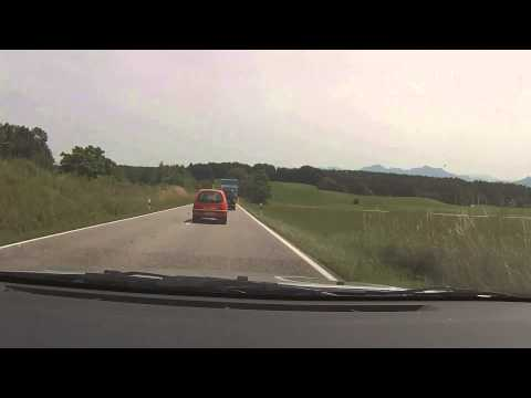 CRAZY WOMAN IN FIAT CAN'T DRIVE [HD]