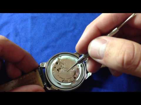 The Inside of a Fossil Grant Twist Watch