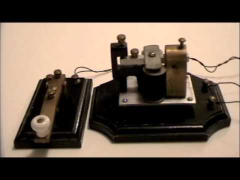 Morse code key and receiver