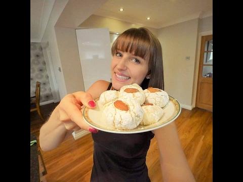 How to make Italian Amaretti's | Baking in London |