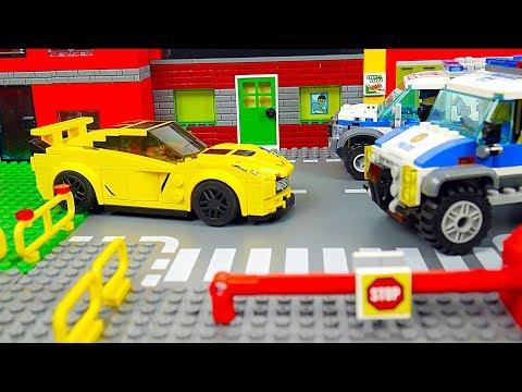 Lego Police   The Car Robbery
