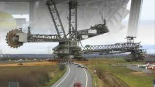 THE WORLDS BIGGEST MACHINE V CAT D8R