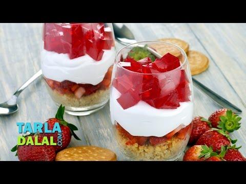 लैअर्ड स्ट्राबेरी संडे (Layered Strawberry Sundae) by Tarla Dalal