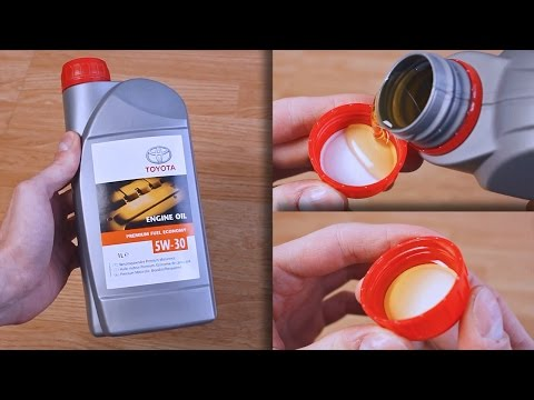 Toyota Premium Fuel Economy 5W30 original engine oil show