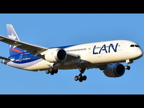 LATAM Airlines Boeing 787-9 (LAN LIVERY) Landing at Melbourne Airport