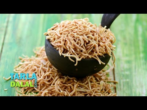 Crispy Fried Noodles, Chinese Fried Noodles by Tarla Dalal