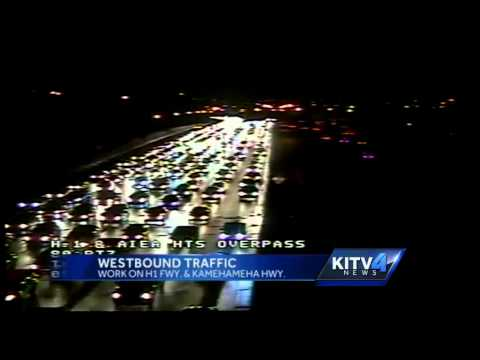Late night westbound traffic on Oahu