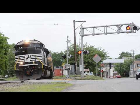 Ayer, MA Railfanning   NS 23K   Pan Am   MBTA   Pink Nose C40-8
