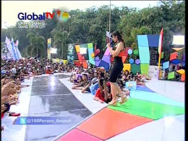 """SHELLA YOLANDA Live At 100% Ampuh (10-10-2012) Courtesy GLOBAL TV"