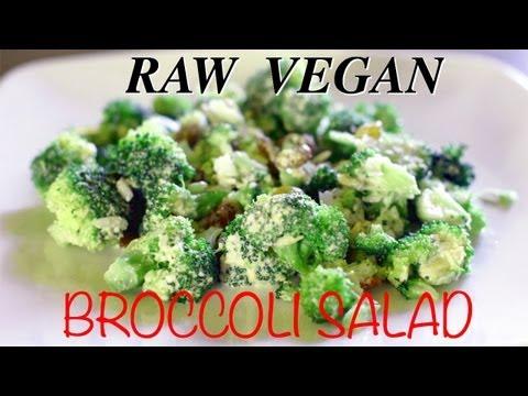 Raw Vegan Broccoli Salad with Raisins & Goji Berries - Insalata vegan di broccoli crudi