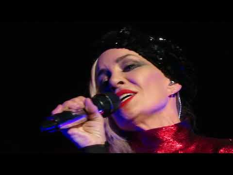 Bananarama - A Trick Of The Night live in Manchester 17 Nov 2017