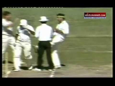 Lillee Kicking Miandad : Cricket Fights