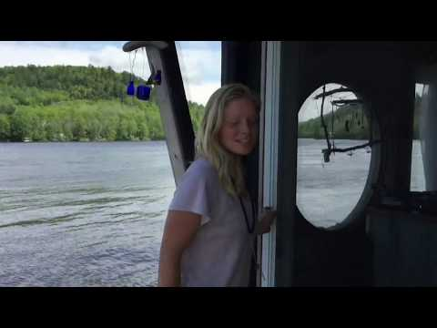 Floating tiny house: Living on a 10-metre houseboat