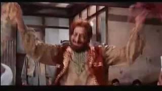 Great Qawwali Song from Bollywood with Amitabh Bachchan
