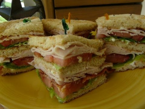 CLASSIC CLUB SANDWICH - How to make  a CLUBHOUSE SANDWICH