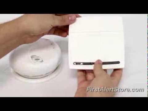 First Alert PC900 Photoelectric Smoke and CO Combo Alarm