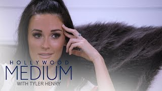 Kacey Musgraves Connects With Deceased Grandmother | Hollywood Medium with Tyler Henry | E!