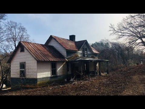 SAD HOUSE SERIES #1: The Abandoned Tryon, NC House