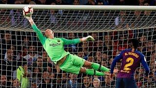 Top 10 Heroic Goalkeeper Performances In Football |HD