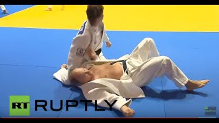 Russia: Putin spars with Russian national judo team in Sochi